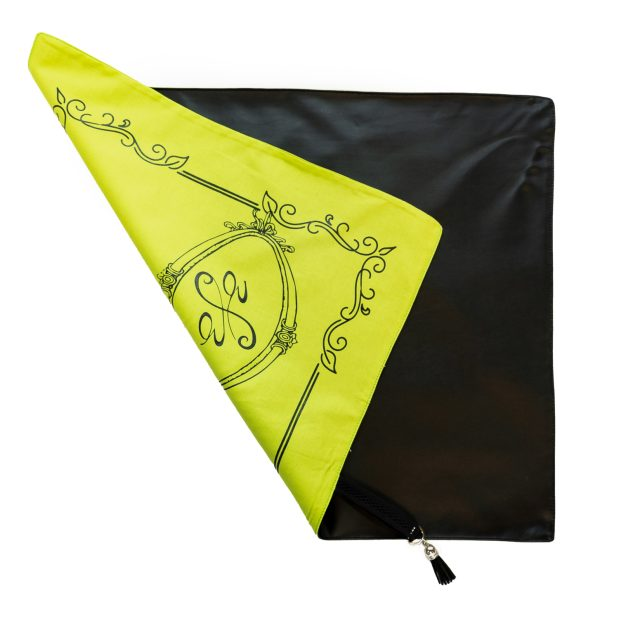 Seat Scarf Border with Side Logo – Limelight
